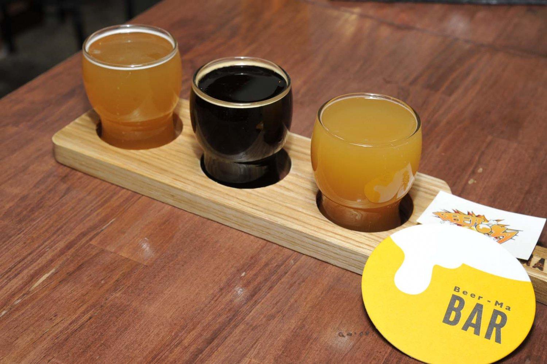 3種飲み比べセットで、好みのクラフトビールを探そう。