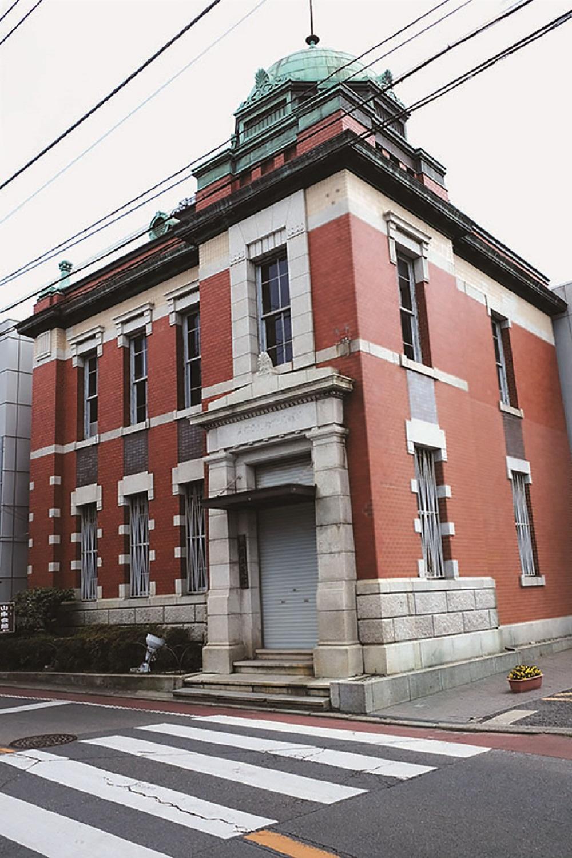 大正3年(1914) 築の『佐原三菱館』。レンガ造りの建物は、建築当時は川崎銀行佐原支店、その後三菱銀行と合併する。