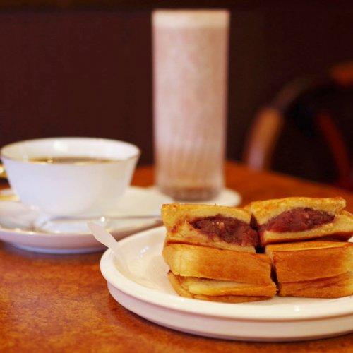 バターとあんこの禁断のマリアージュ。昭和8年創業の淡路町『珈琲ショパン』で味わう、絶品アンプレス