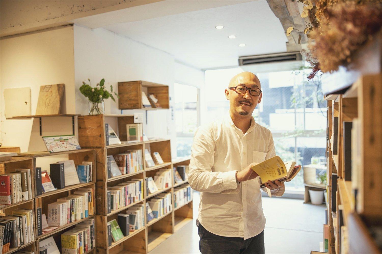 店主の片山淳之介さんは、かつて御茶ノ水でりんご専門店を営んでいた。