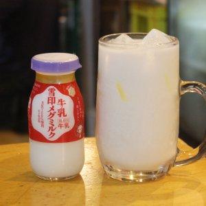 「全てをハイにする」第11弾! 板橋『北海 三四郎』の牛乳ハイから、ローカル酒の愛され方を学ぶ