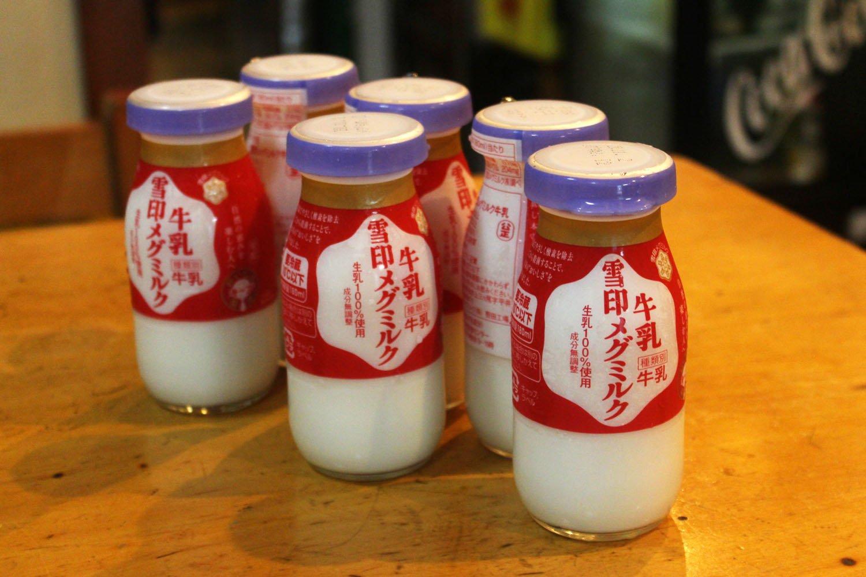 「牛乳ハイ」で使っている牛乳たち