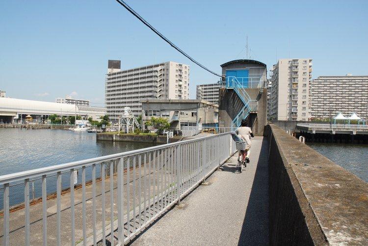 海老川水門(えびがわすいもん)