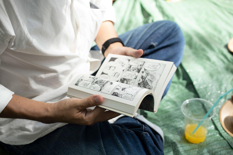 漫画などビジュアルで楽しめる本は、外でパラパラ見るのに最適だった。