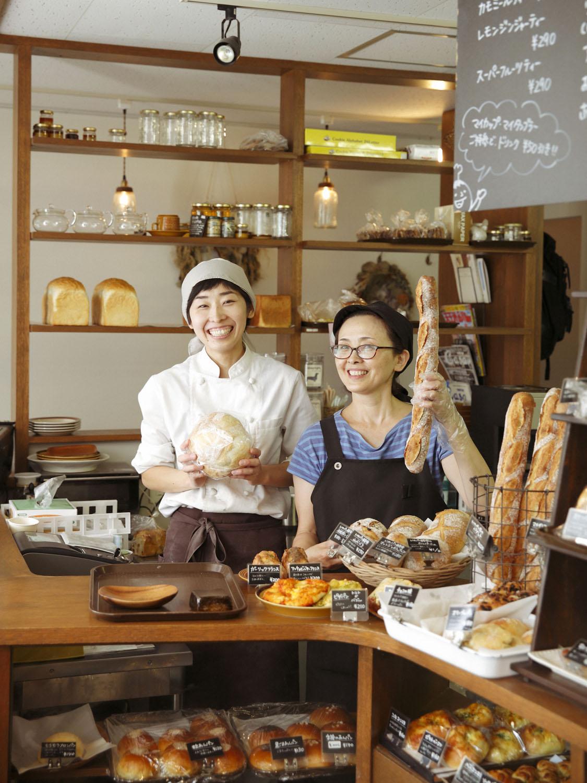 店主の鹿野さんと母の猪川美穂子さん。2人の笑顔に会いに何度も通いたい。