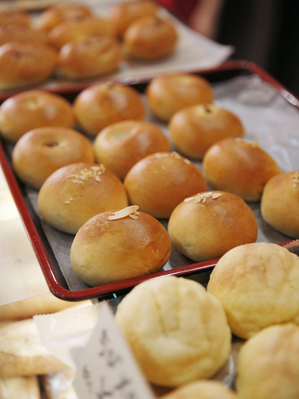 ちびパンは子供たちに大人気。子供が片手で持てるよう作られたちびパンたち。