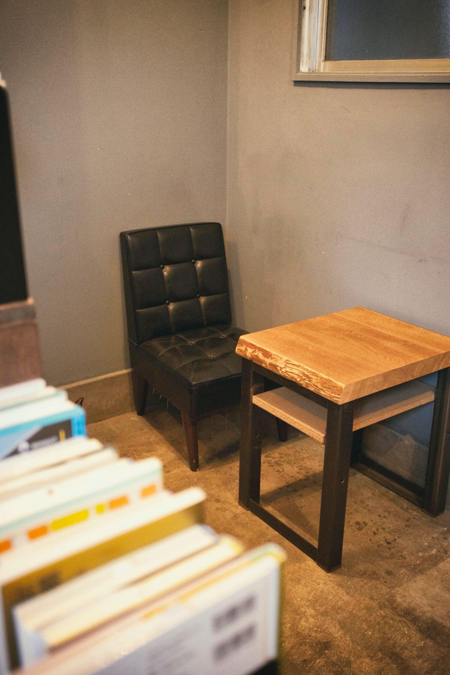 店内でコーヒー500円がいただける。豆の種類も豊富にある。