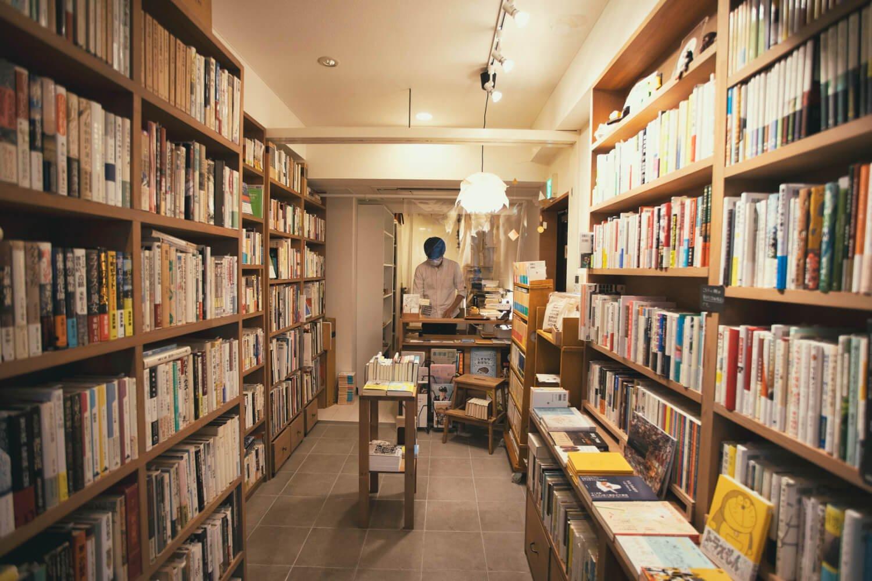 書肆スーベニア店内