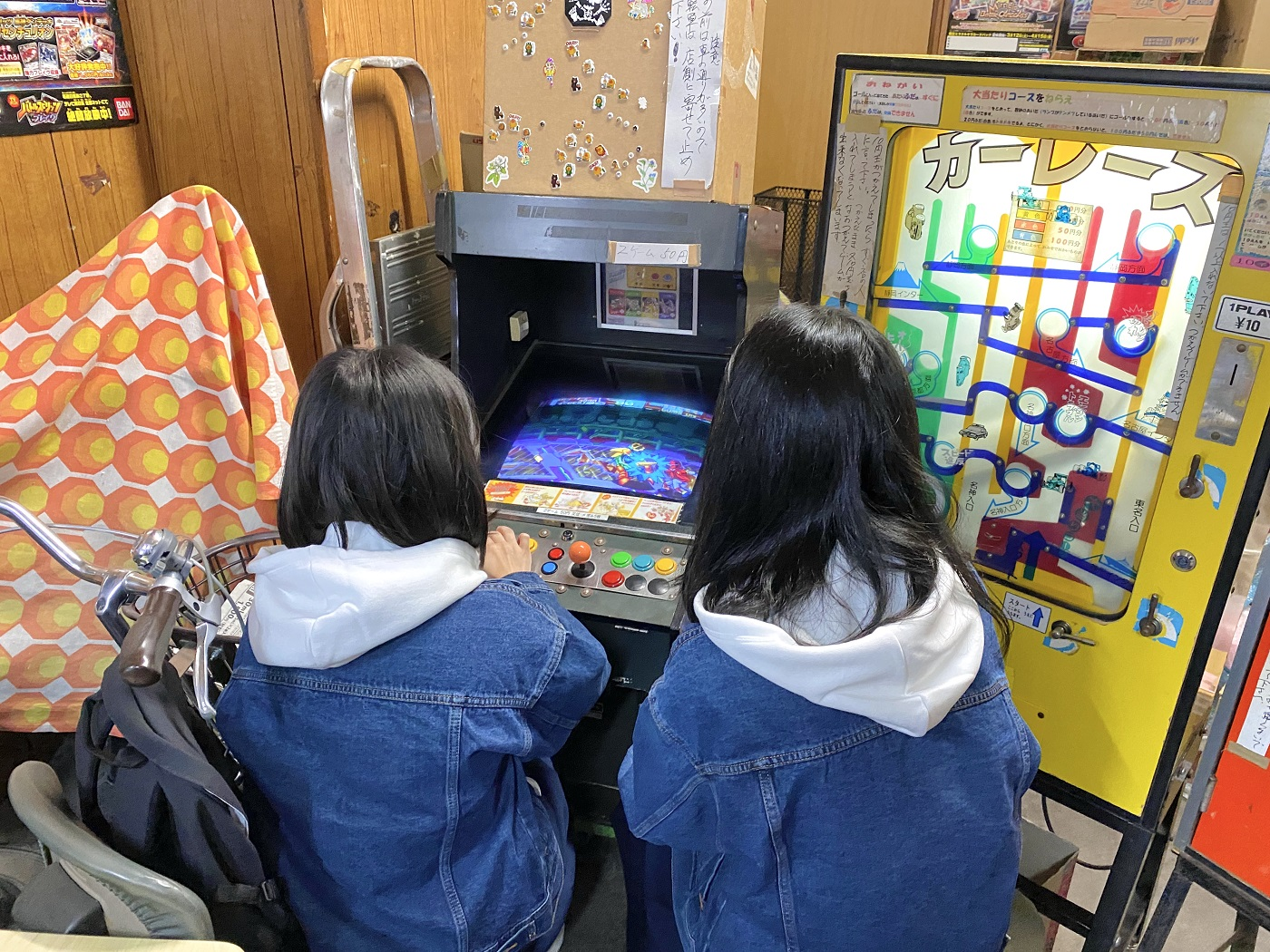 お店の方に50円玉に両替してもらい、早速プレイ開始。