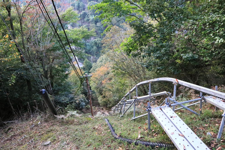 単軌で落差は40~50メートルぐらいか。