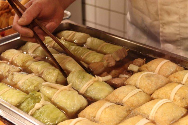 神田の老舗『尾張家』は、今日も伝統のだしで厳選のおでん種を煮込む