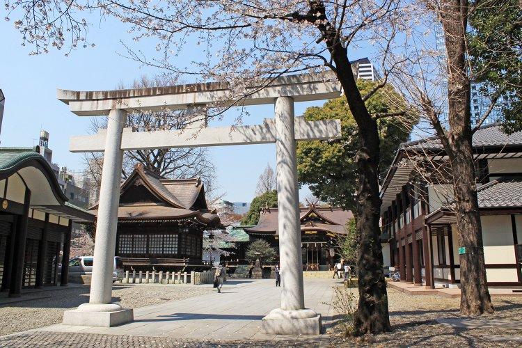 十二社熊野神社(じゅうにそうくまのじんじゃ)