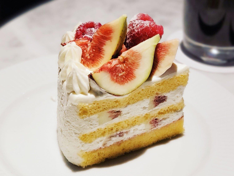 季節限定 いちじくと木苺のショートケーキ 1000円(税抜)。