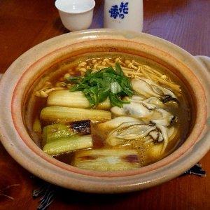 牡蠣と太ねぎのカレー南蛮ぬきに新酒「花の香」【山内聖子の偏愛する日本酒とつまみの話】