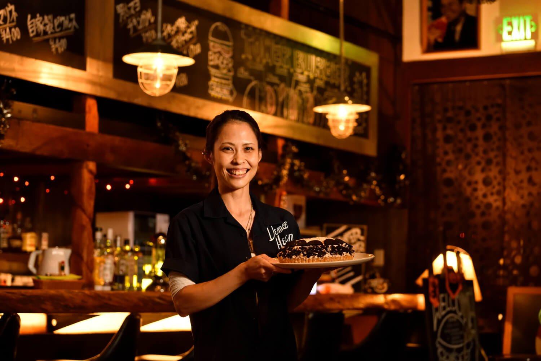 パティシエの久保山さんが作る季節ごとのケーキも人気メニューだ。