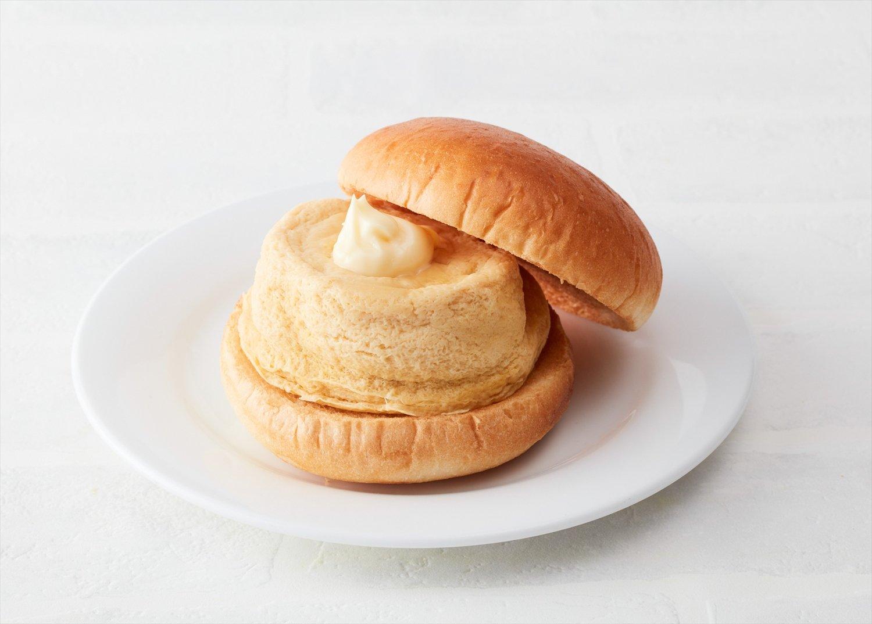 丸くて分厚い厚焼き玉子は厨房で調理。ふわふわ熱々!450円。