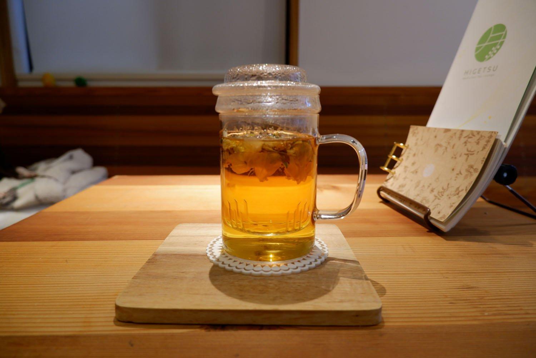 花茶ブレンドティー(季節の変化に反応しやすいからだに)660円。