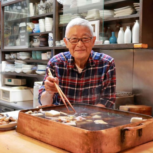神田『なか川』は、気さくな店主が手作り総菜とおでんでもてなす小粋な料理店
