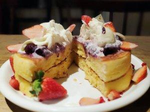 アクイーユ いちごベリーパンケーキ