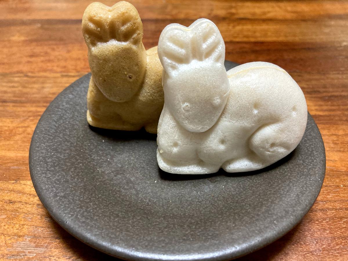 奈良の鹿をモチーフにした「神鹿物語」。(多口製菓/2020年)