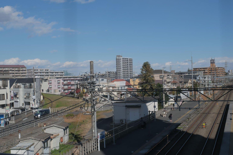 安比奈線起点となる、西武新宿線南大塚駅。安比奈線は写真左側のカーブしている空き地。