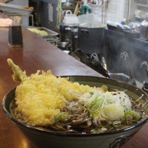 【東京ナゼココ立ち食いそば】平和台『ながみ』。正統派立ち食いそばを意外な場所で