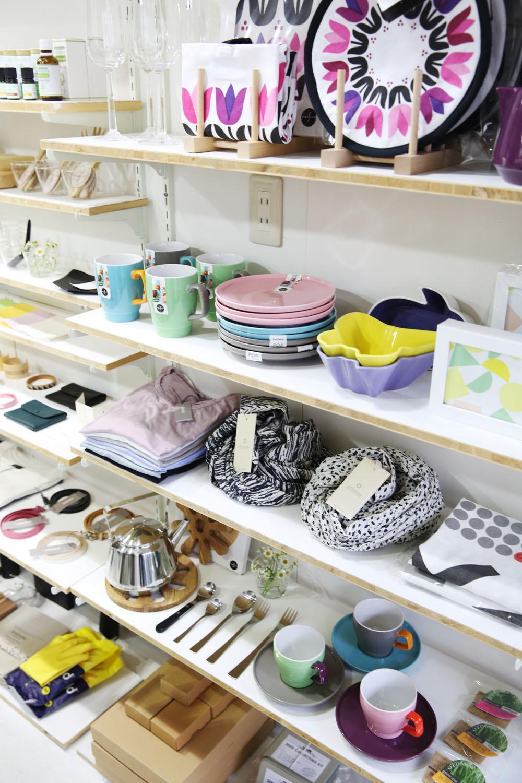店内の雑貨の6割が北欧に関する商品。