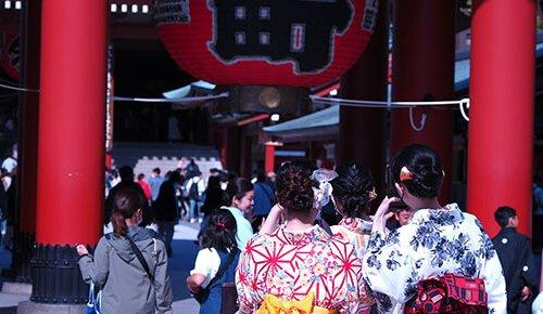 【この街、どんな街?~浅草編】都内屈指の商店街密集地帯は伝統と最新文化の美食のクロスロード。きょろきょろしながら歩くのが...