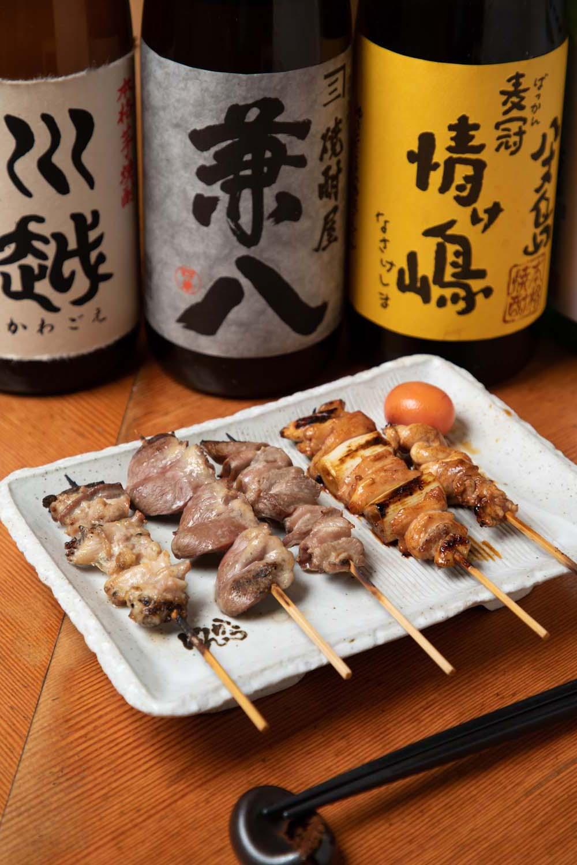 左から芋焼酎・川越650円、麦焼酎・兼八750円、麦冠 情け島680円。