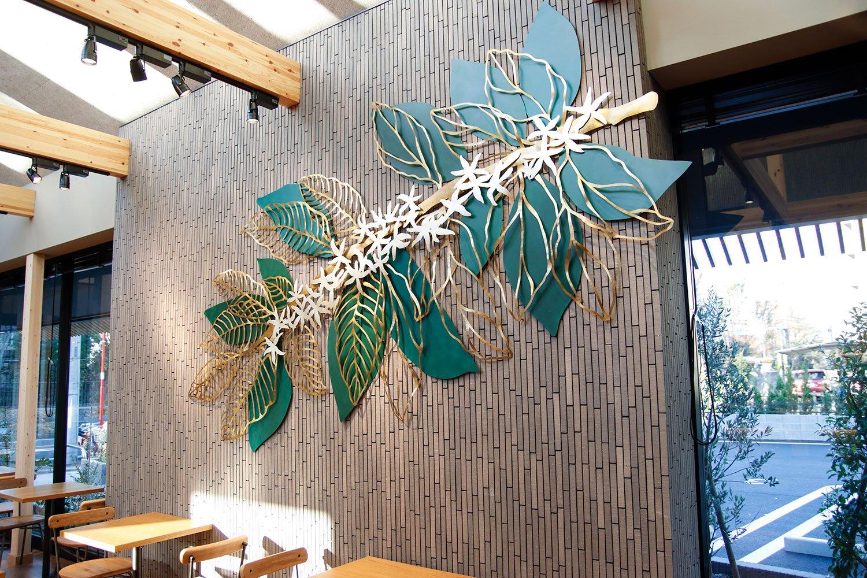 クスノキとコーヒーの葉のアート。