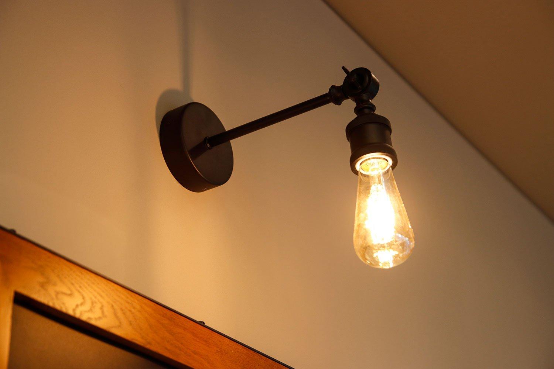 壁付けライトは、前店も多用していた。