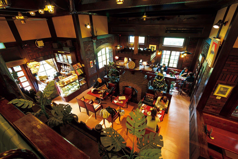 「珈琲館 くすの樹」は、高い天井も象徴的だった。