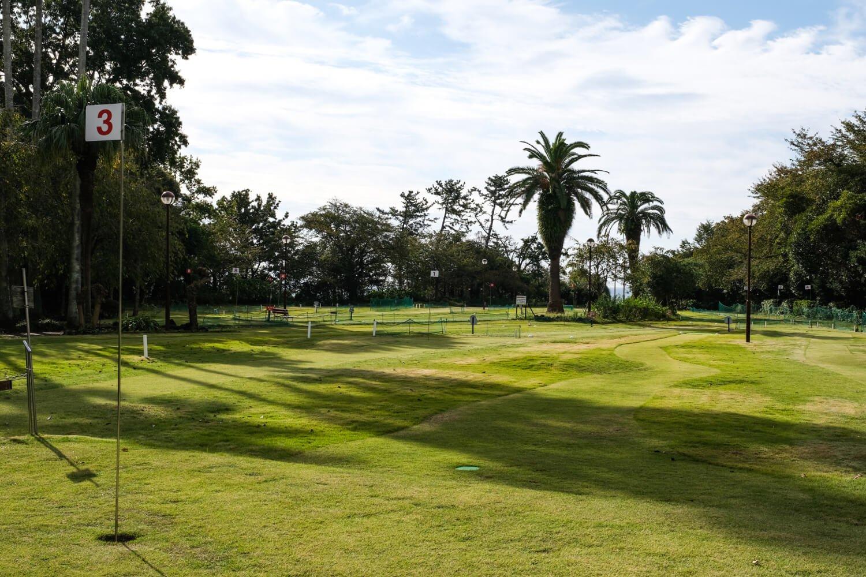 パークゴルフ場は全18ホール、パー66、距離640mの本格コースだ。