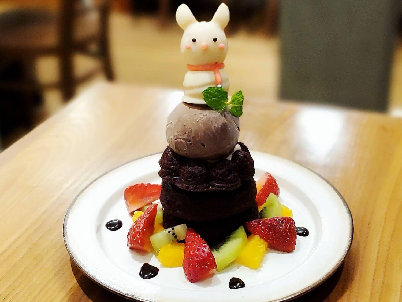 期間限定 チョコ輪ケーキ 白うさぎ 1000円(税別)。