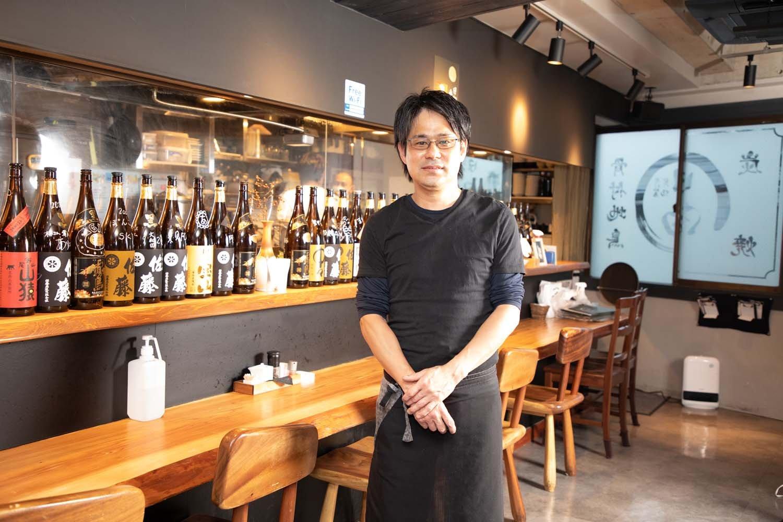 店長の熊木さんは、20年以上のキャリアを持つベテラン。新橋店で長年勤めた後、船橋店立ち上げを契機に店長になった。