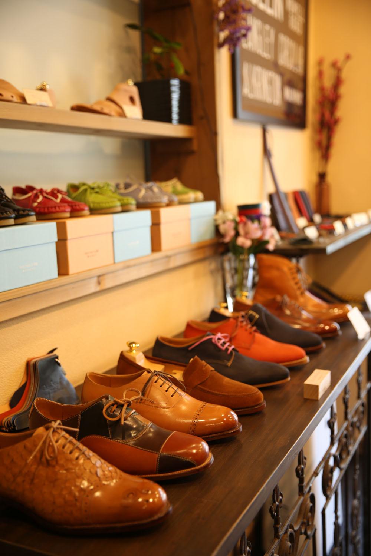 オーダー靴は、子どもから大人用まで。メンズのオーダー靴は27万5000円〜。