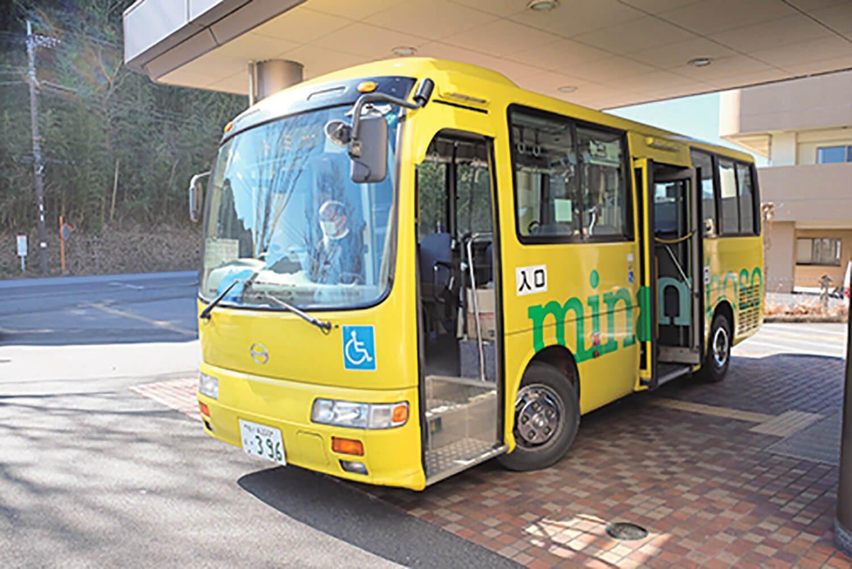 南房総市の市営バス、愛称「トミー号」が伊予ケ岳近くまで運んでくれる。運賃は距離に関係なく1回200円。