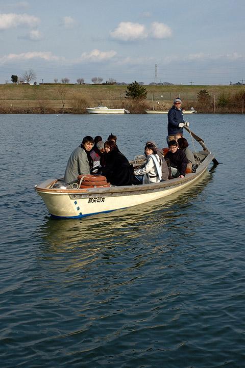 矢切の渡しで江戸川を横切ると、思いの外川幅の広さを実感する。柴又ののどかさはクライマックスに達する。