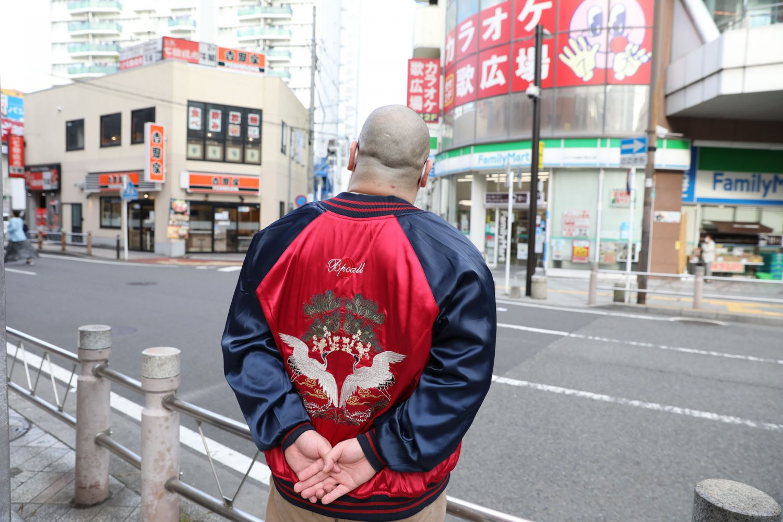 チェーン店が駅前に大充実の相模大野。「東京近郊に出てきたとき、最初に住むにはすごくいい街だった」と爪さん。