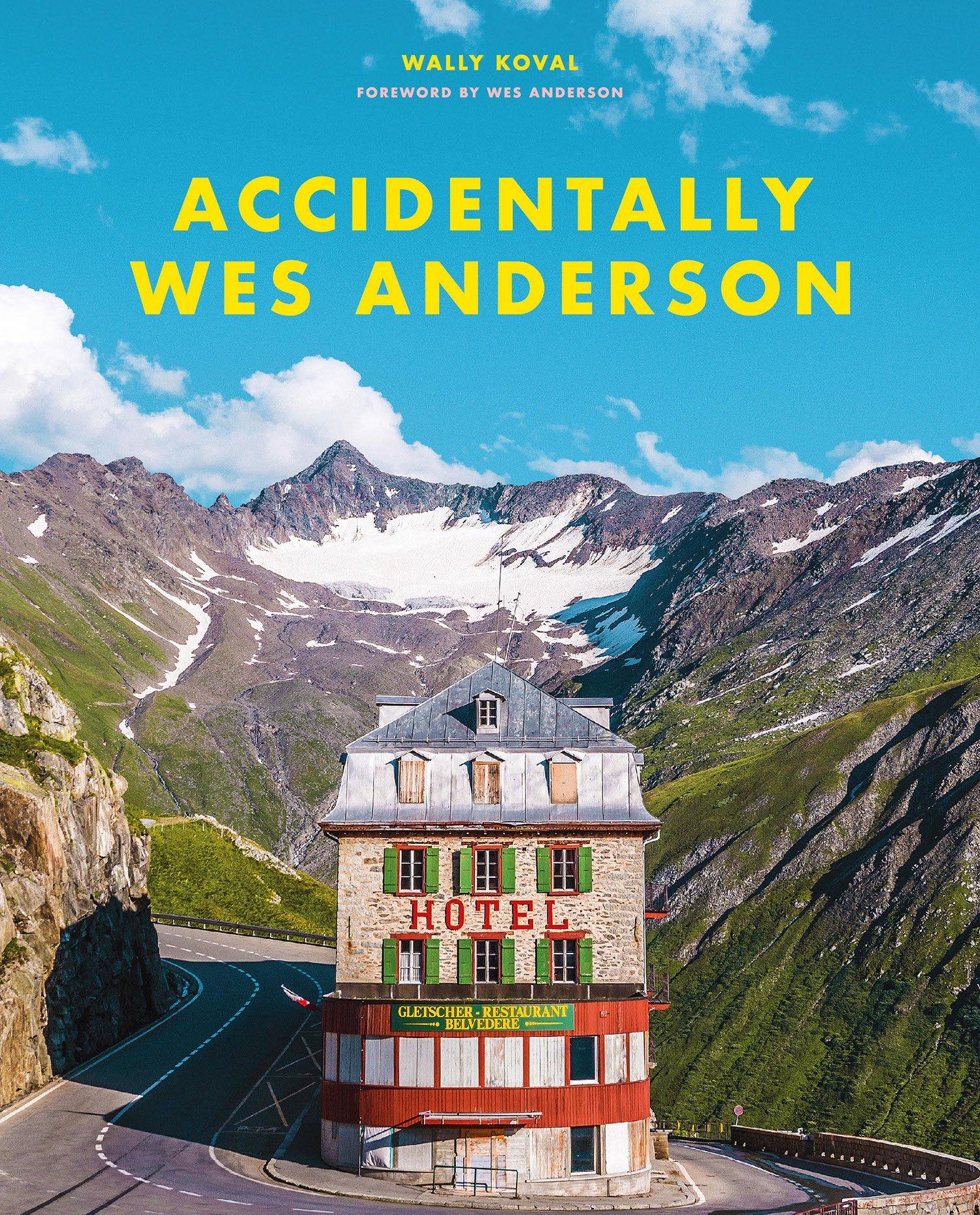 『ウェス・アンダーソンの風景』表紙の建物は、スイスのフルカ峠のホテル・ベルヴェデーレ。1964年には『007/ゴールドフィンガー』のカーチェイスシーンにも登場したそうだ。