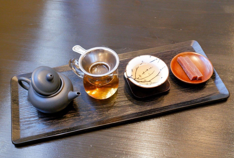 鳳凰単欉蜜蘭香1200円。
