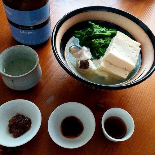 【山内聖子の偏愛する日本酒とつまみの話】菜の花と鱈の湯豆腐に「馬鹿三里セット」