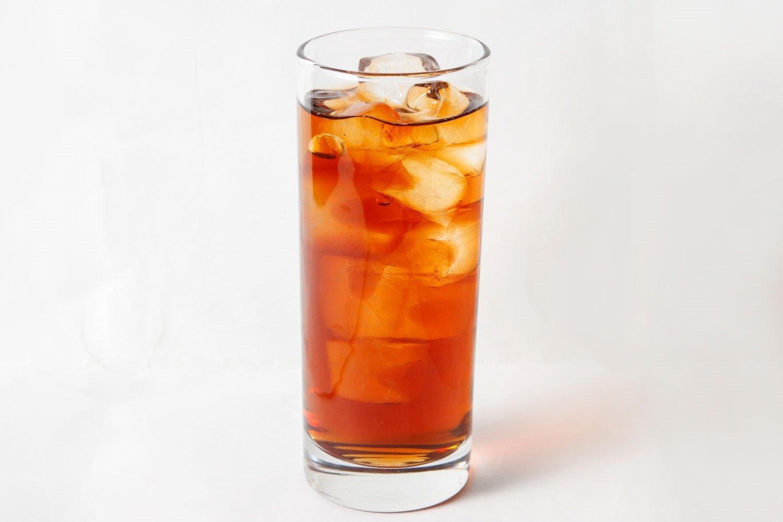 『陳皮(ちんぴ)のウーロン茶割』 代謝アップや血行を促すミカンの香りで、ウーロン茶の苦みが和らぐ。おなかまわりが気になってきた人におすすめ。