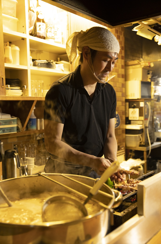 店主は銀座の名酒場『ささもと』 で10年修業。その味を継ぐ。