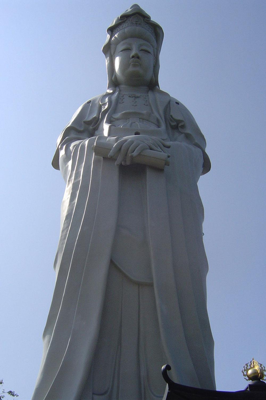 もはや高崎の名所ともなっている、高崎白衣大観音(高さ41.8m)(2007年)
