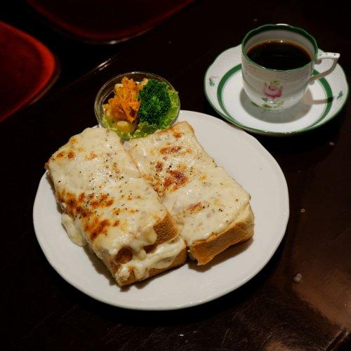 ランチにもぴったりなグラタントースト。 神保町の喫茶店『カフェ・トロワバグ』で創業から変わらぬ味をたのしむ
