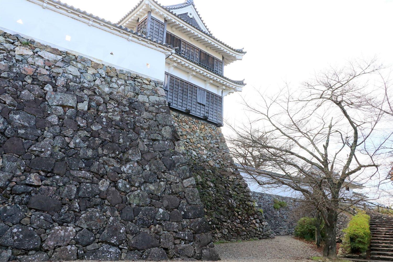 高石垣&城壁に、さらに小天守まで。