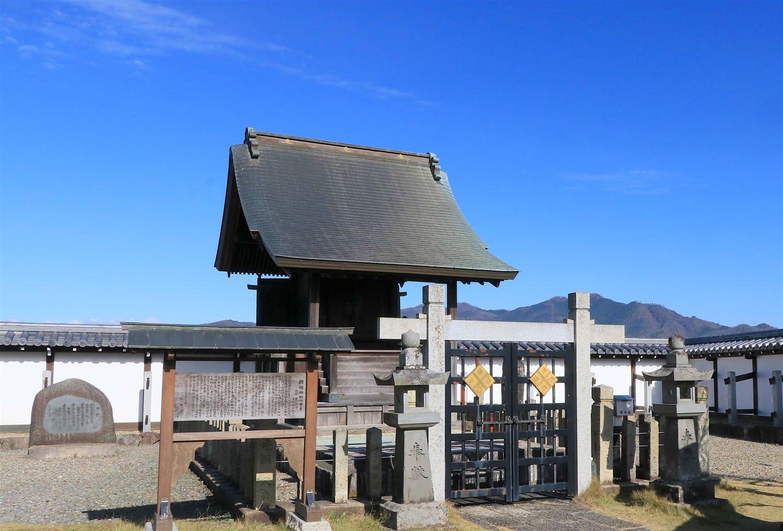 朝暉神社。