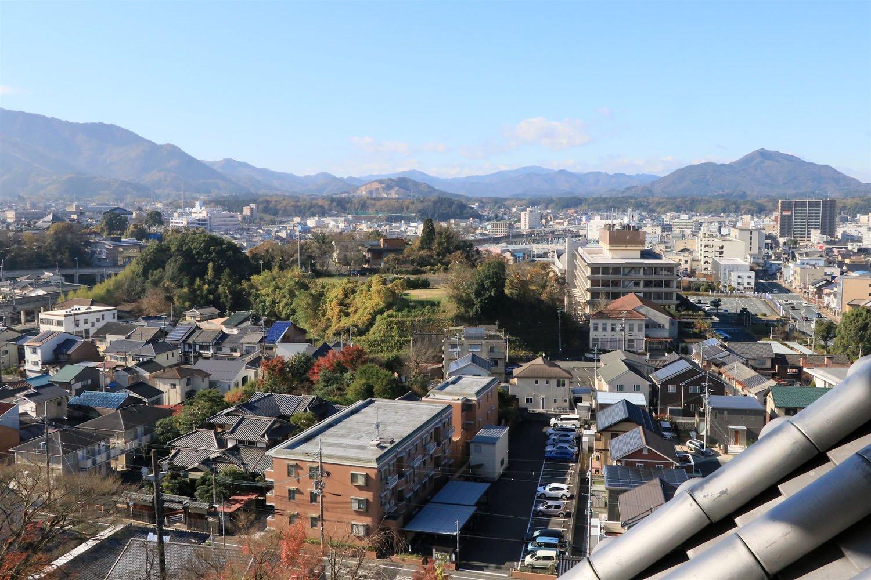 天守四階から西側。福知山の町を見下ろす。