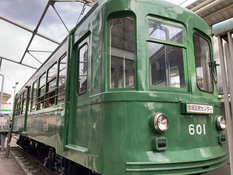 東急世田谷線・宮の坂駅から見える旧玉電車両(2021年)